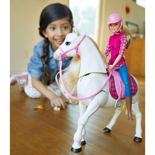 Barbė ir jos vaikščiojantis žirgas